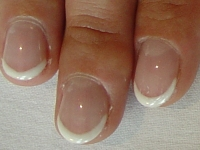 french manicure off white
