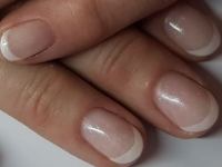 French manicure Off white subtiele glitter